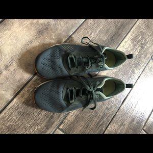 Reebok Flexagon shoes